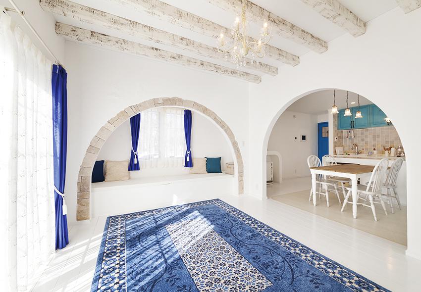 別荘のような空間で非日常な時間を贅沢に過ごすの写真